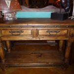Patas Torneadas Sofa Table